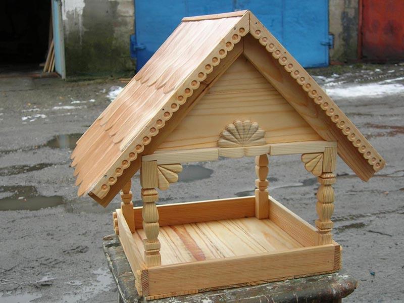 Кормушки для птиц из деревянные